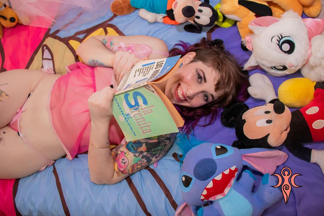 https://covengirls.com//img/sets/set-Disney-Girl/cover.jpg