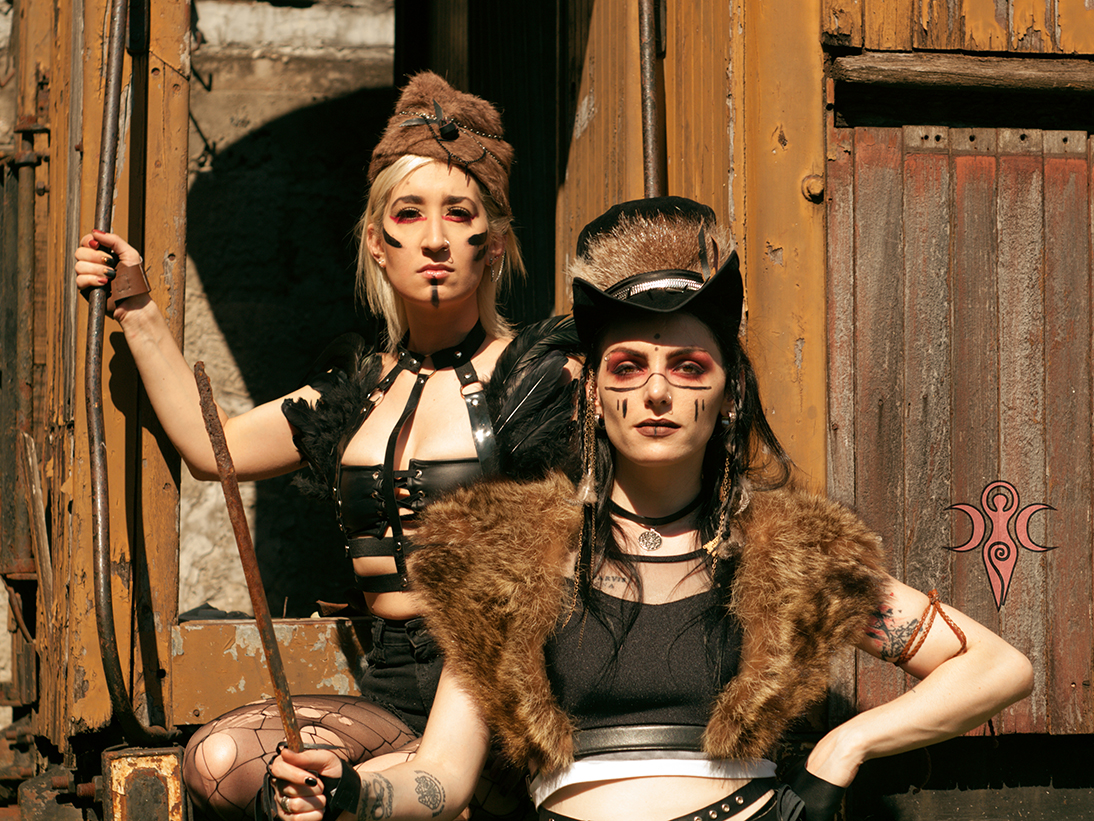 https://covengirls.com//img/sets/set-Tribal-Dystopia/cover.jpg